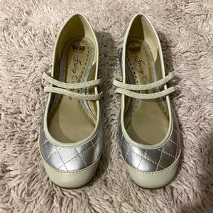 Juicy Couture Cream & Silver Flats